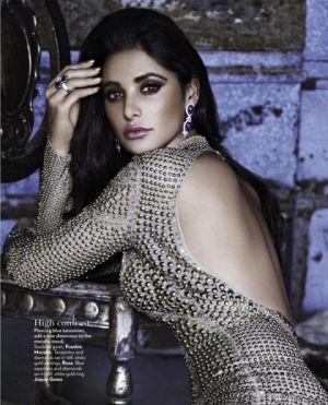 Inspiring photos - Asiam style - Nargis-Fakhri-Vogue.jpg